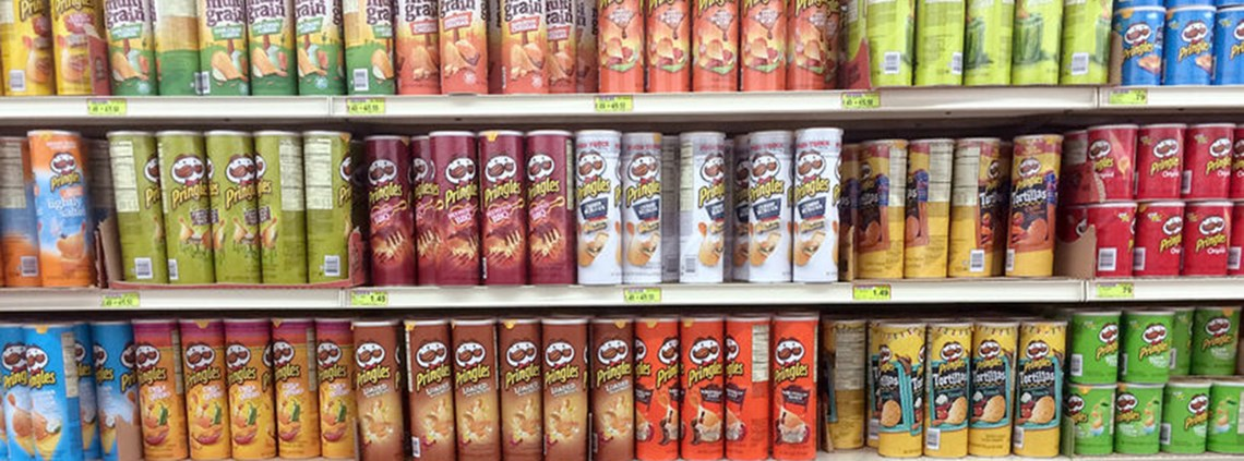 The complexity of the packaging makes Pringles difficult to recycle © 123RF