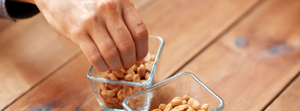 Aldi recalled a peanut product because it contained cashews © 123RF