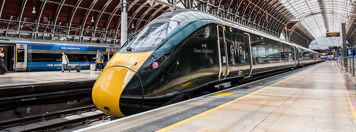The government will look at breaking up larger franchises, starting with the Great Western service, into smaller contracts ©Jack Boskett/GWR