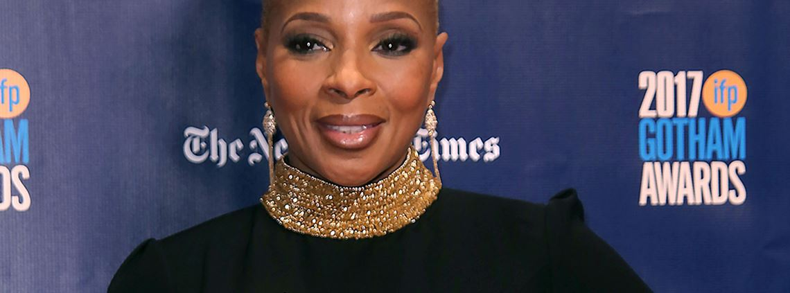 Mary J. Blige in a dress by Farida Temraz, a leading light in Egyptian fashion design