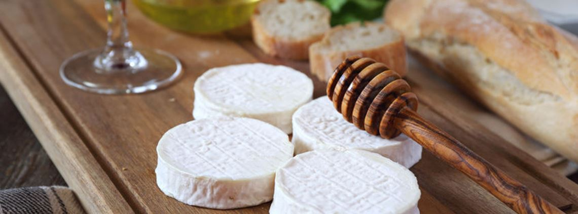 The shared ledger will apply to Carrefour's premium food range, including Rocamadour goat's cheese. ©123RF