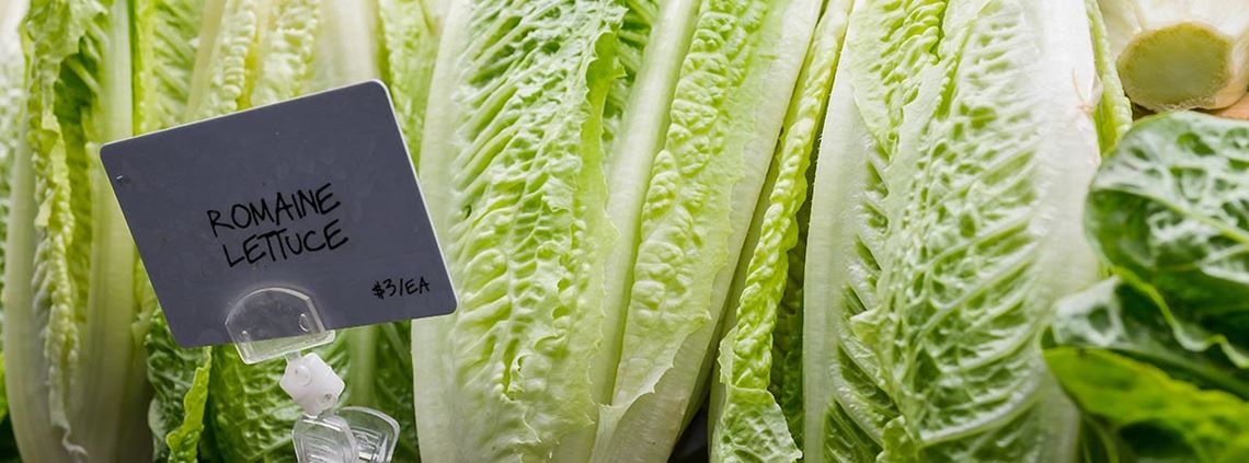 Albertsons will start by tracing romaine lettuce before expanding to other food products. © Getty Images/iStockphoto