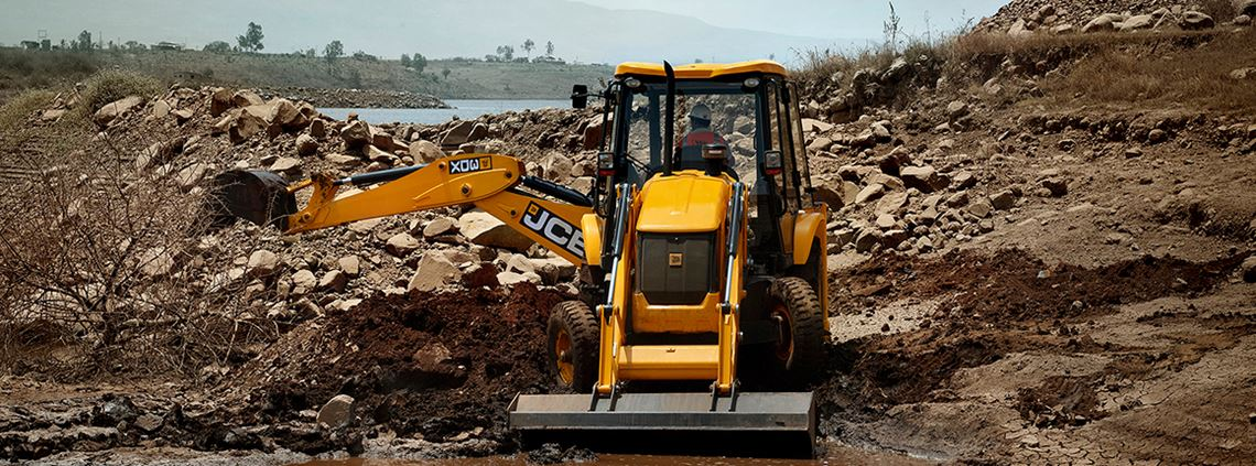 JCB deals with 50,000 parts from around 2,000 suppliers © JCB