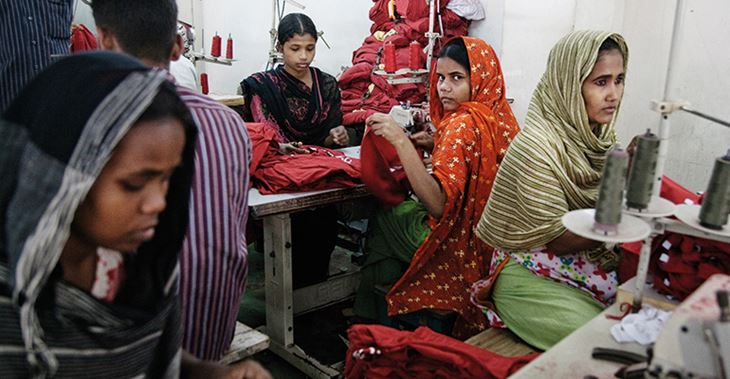 Garment workers in Bangladesh are often paid below the living wage – which audits don't spot ©Clean Clothes Campaign