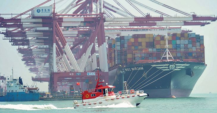 Precarious: the movement of goods between China and the US ©AFP/Getty Images