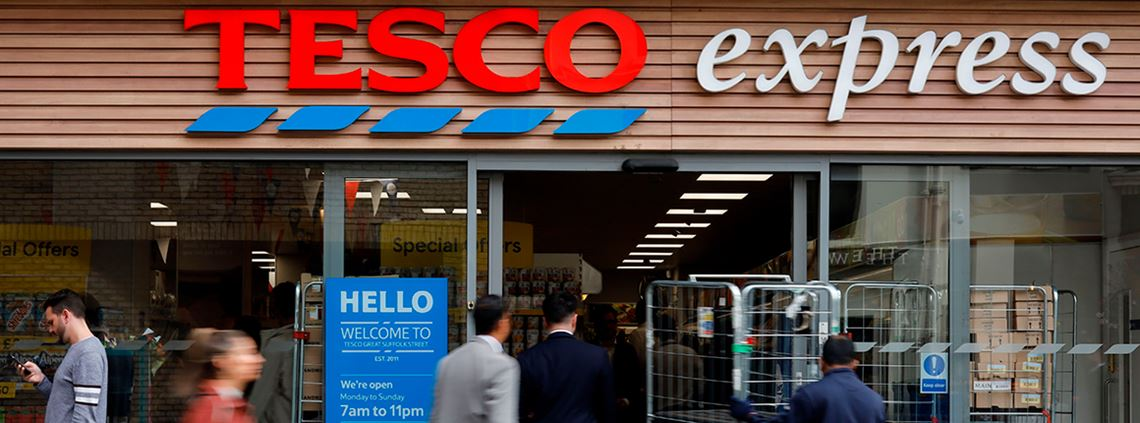 Tesco plans to scrap shrink wrap for tinned products as part of plans to elimate 1bn items of plastic in 2020 © AFP/Getty Images
