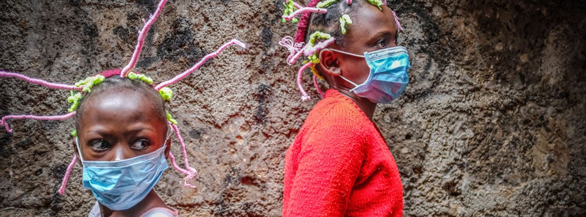 Girls in Kenya use Covid-19 hairstyles to raise awareness © Donwilson Odhiambo / Echoes Wire/Barcroft Media via Getty Images