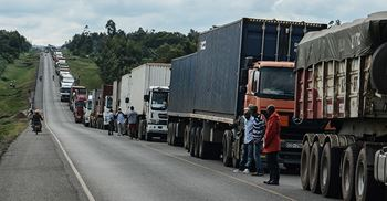 Trucks held up on the Uganda and Kenya border due to Covid tests © Brian ONGORO/AFP via Getty Images