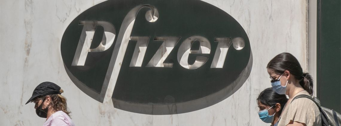 Pfizer's vaccine must be stored at -70C © Jeenah Moon/Getty Images