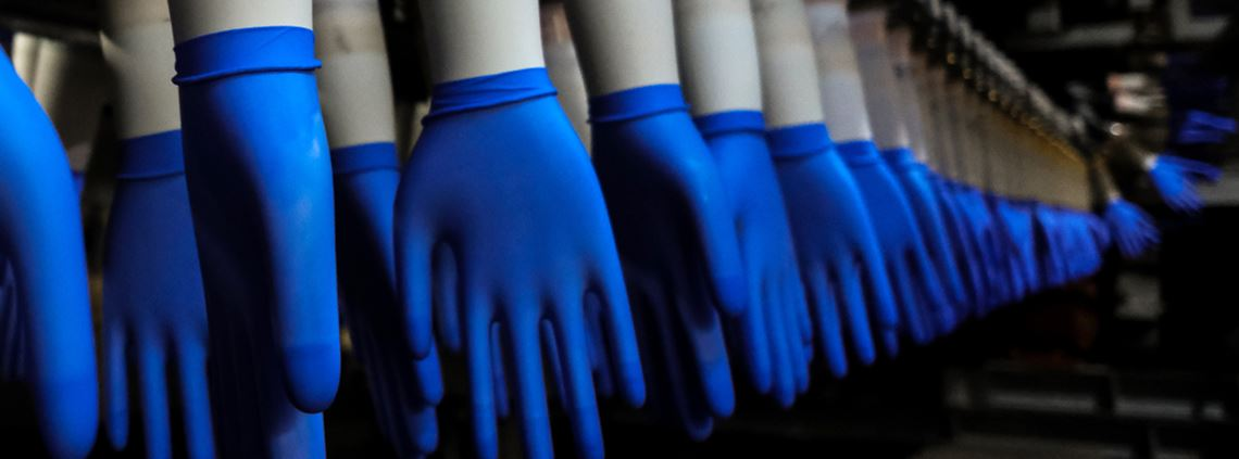 Latex rubber gloves manufactured in Malaysia disrupted © Samsul Said/Bloomberg via Getty Images