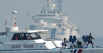 The Philippine-Japanese joint coast guard regularly practice anti-piracy exercises © TED ALJIBE/AFP via Getty Images