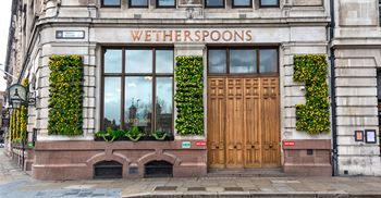Pubs won't be able to fully open until May © Dave Rushen/SOPA Images/LightRocket via Getty Images